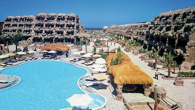 Caves Beach Resort Hurghada